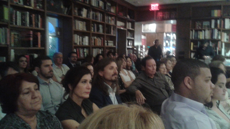 ArtesMiami launched new poetry book: CONVERGENCIA